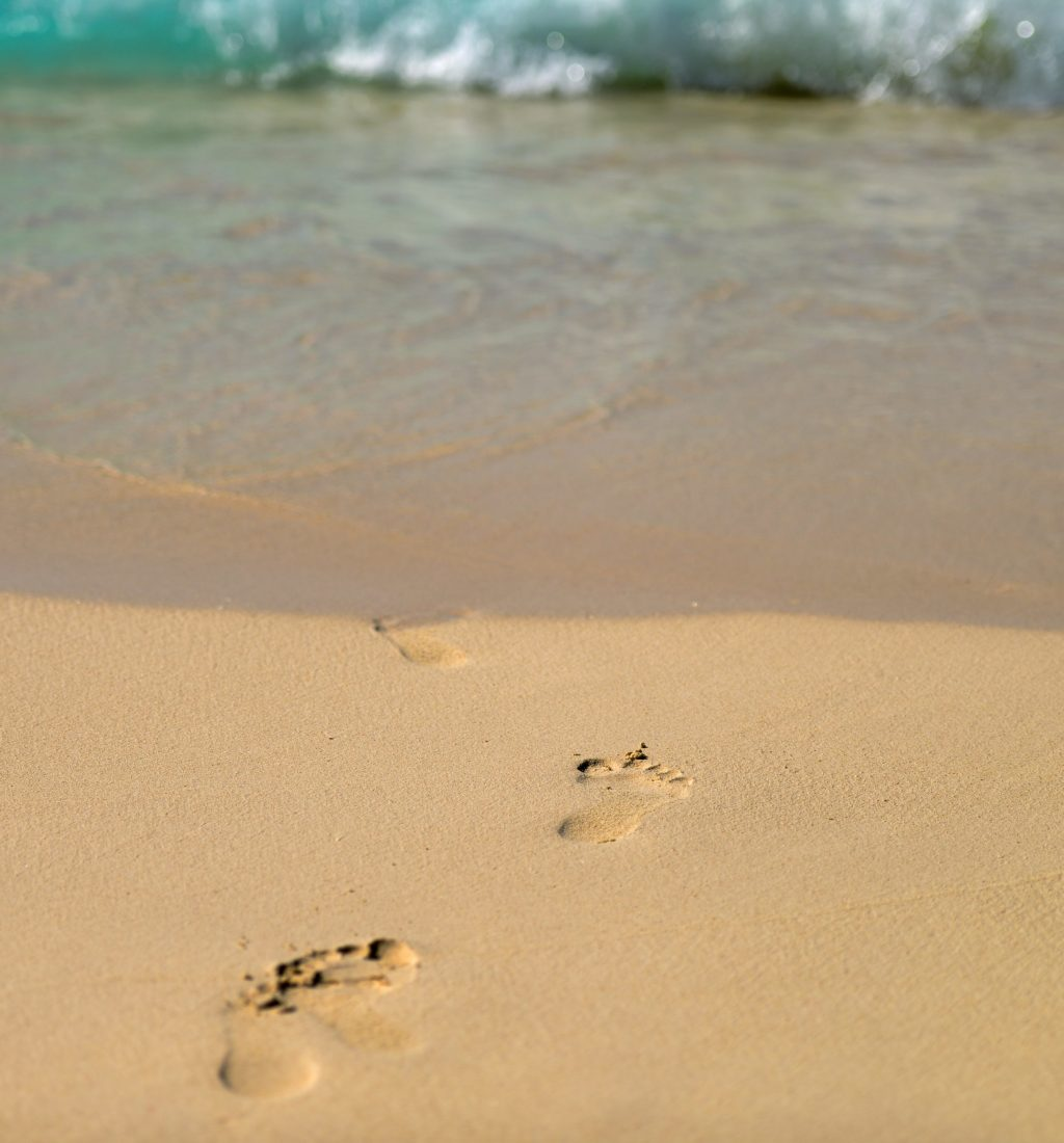 beach-children-footprint-6551