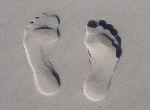 footmarks-footprints-sand-59876